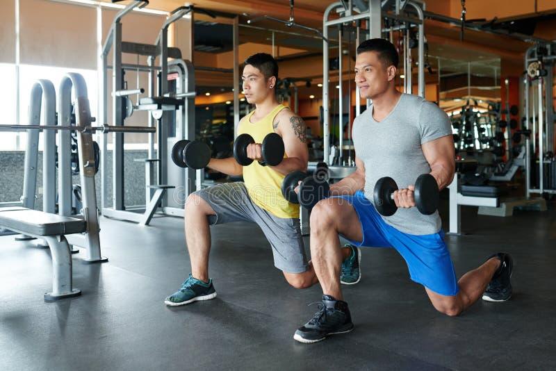 Exercice en gymnastique photographie stock