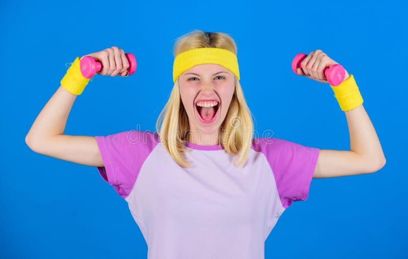 Exercices de forme physique de débutant Séance d'entraînement de corps supérieur de forme physique pour des femmes Concept de for photo libre de droits