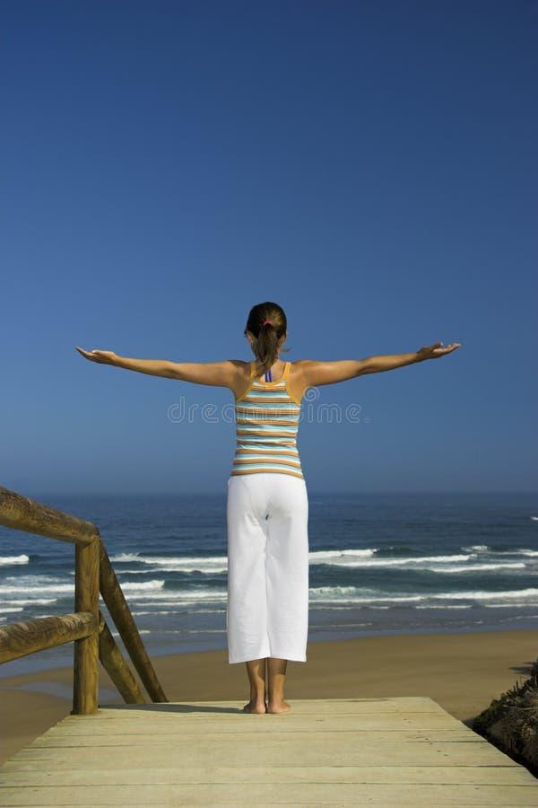 Exercices de yoga images libres de droits