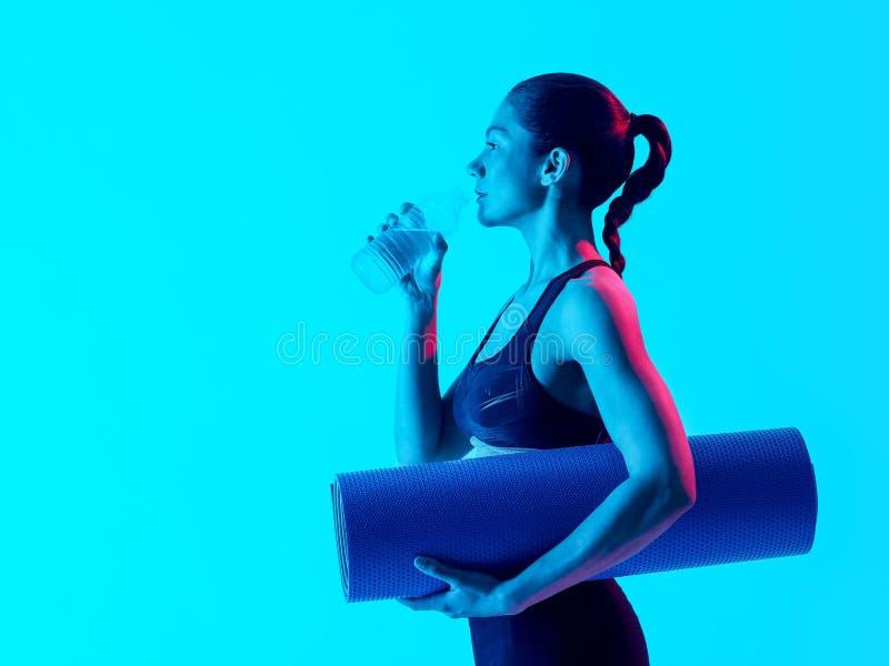 Exercices van de vrouwen het exercsing geschiktheid drinken royalty-vrije stock foto