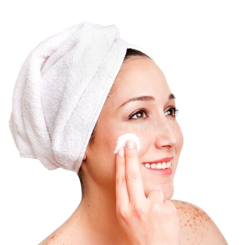 Exfoliation anti-vieillissement de skincare facial photographie stock libre de droits