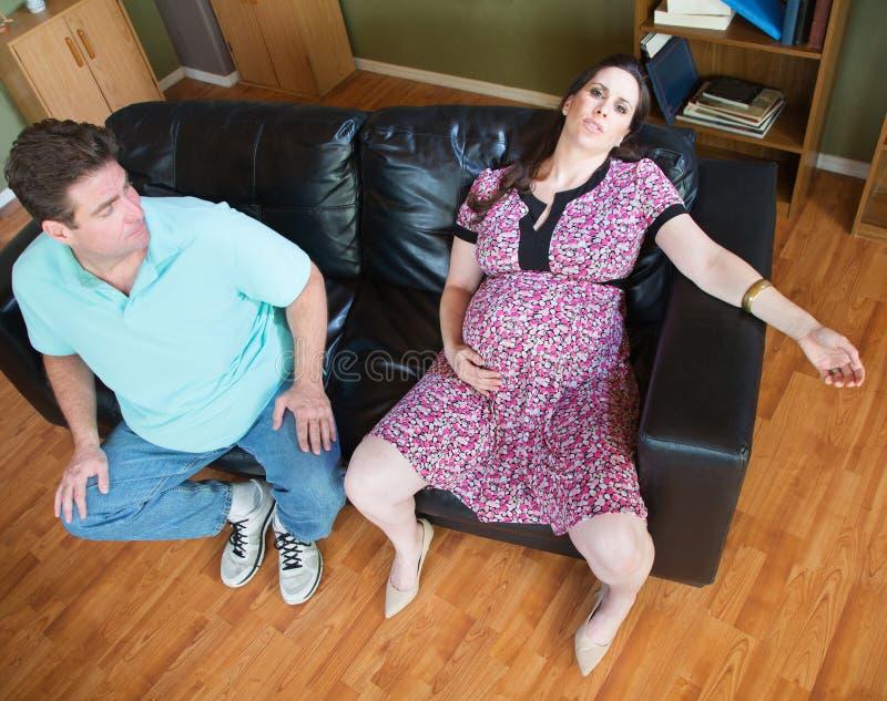 Exhaused que espera a mulher e o marido fotografia de stock