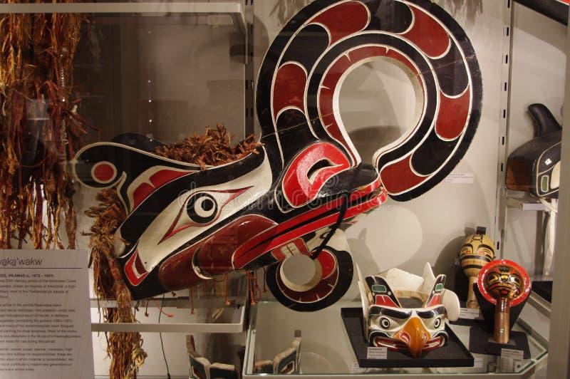 Exhibición aborigen del arte en el museo de la antropología imagenes de archivo