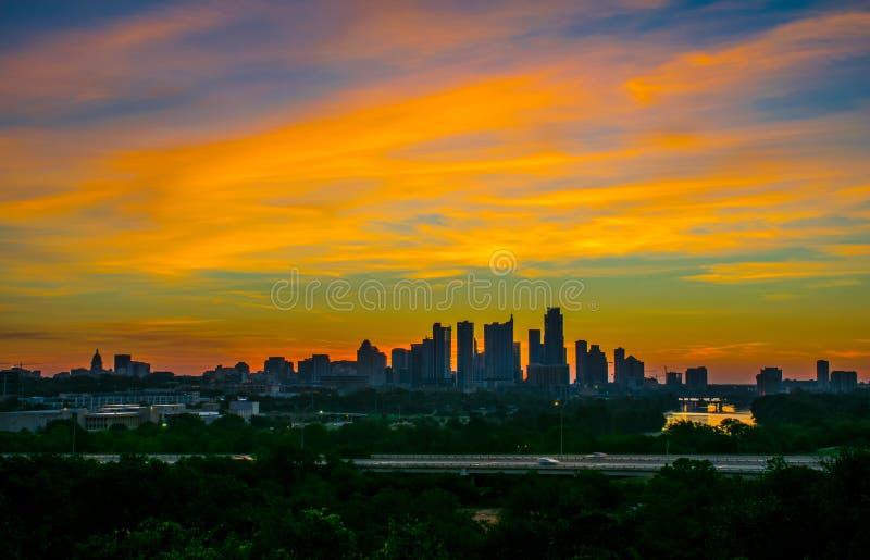 Exhibición asombrosa del club del parque de Zilker de colores en el cielo Austin imágenes de archivo libres de regalías
