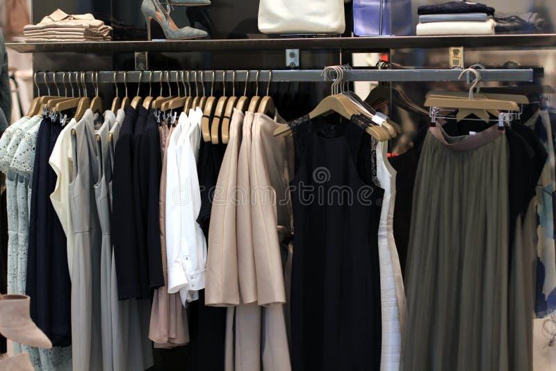 Exhibición de la tienda de la moda foto de archivo libre de regalías