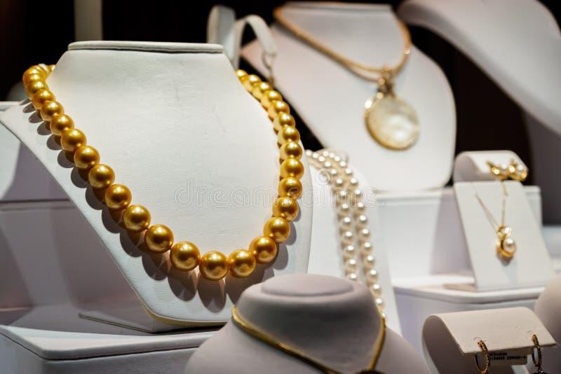 Exhibición de las joyerías de la perla por Na Hoku foto de archivo