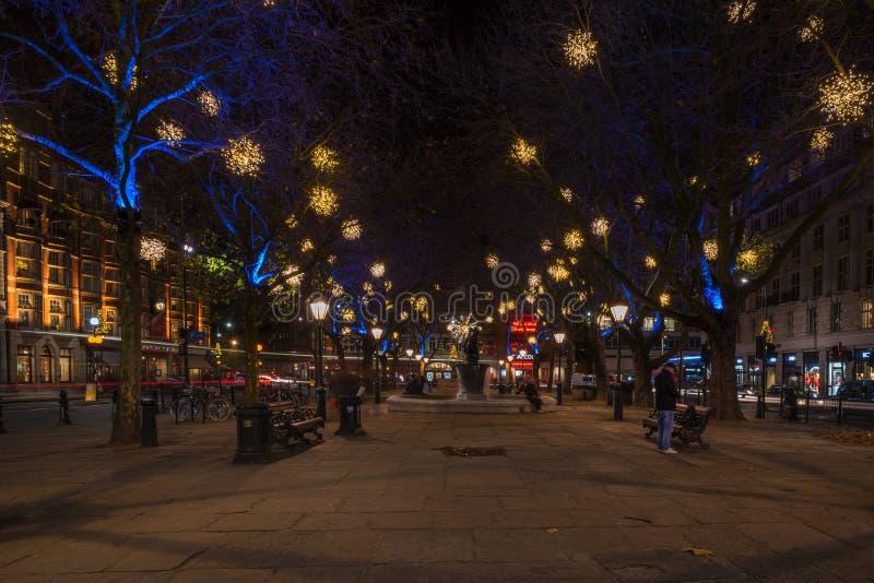 Exhibición de las luces de la Navidad en el duque de York, Londres Reino Unido imagen de archivo