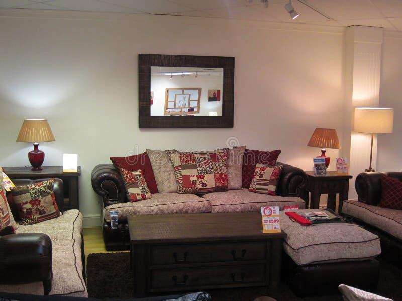 Exhibición de los muebles del salón en una tienda. foto de archivo