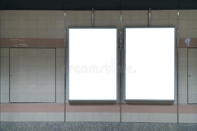 Exhibición en blanco en la pared interior, advertisin de la bandera de la promoción del LED foto de archivo libre de regalías