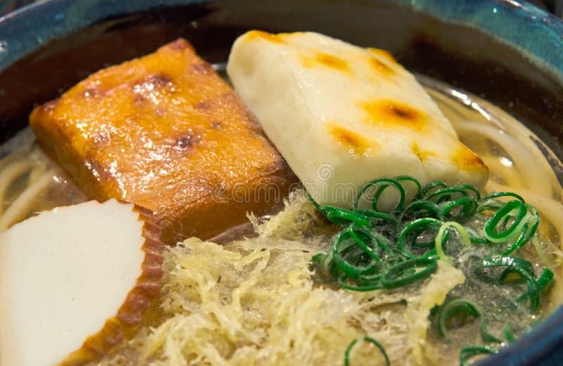 Exhibición plástica japonesa de la comida, Udon con Oden fotografía de archivo