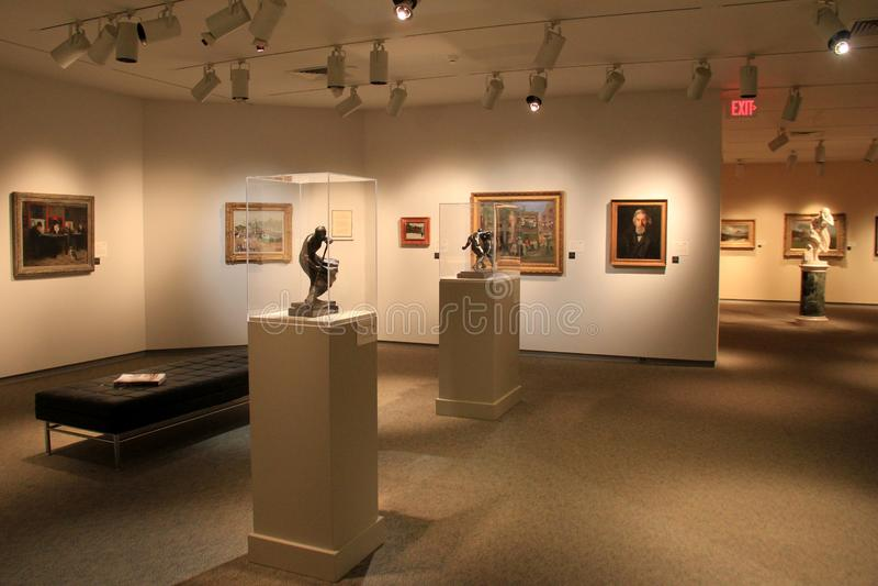 Exibição bonita das esculturas e das pinturas da obra-prima, Art Gallery memorável, Rochester, New York, 2017 fotos de stock royalty free