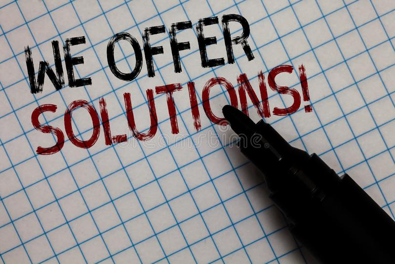 Exibição conceptual da escrita da mão nós oferecemos soluções Ideias de oferecimento B das estratégias do conselho de peritos do  foto de stock royalty free