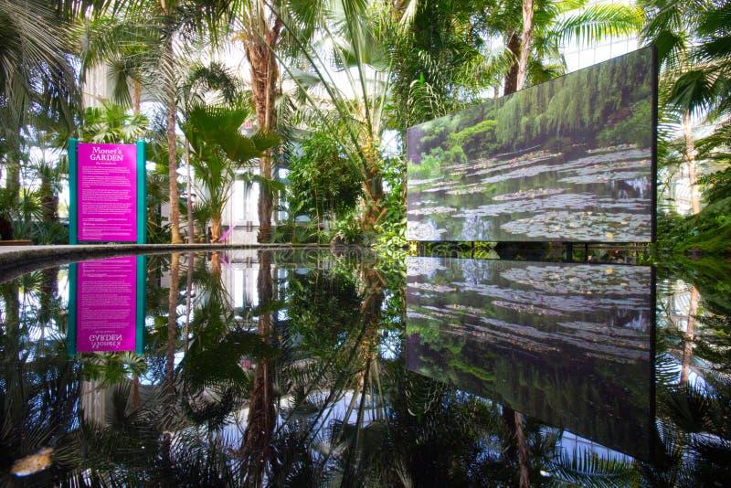 Exibição do jardim de Monet imagens de stock