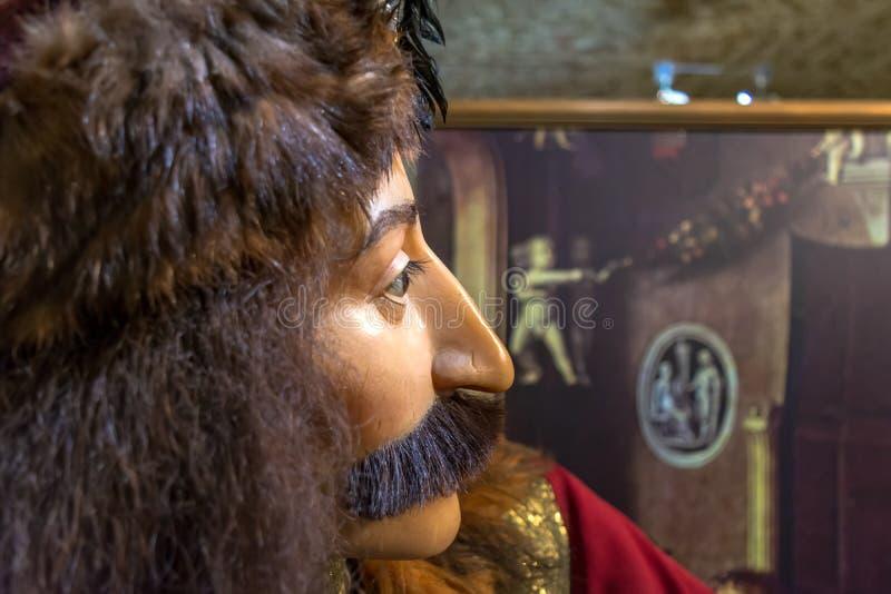 Exibição no museu Bruges da tortura, cara de Vlad III, conhecida como Vlad o Impaler Vlad Dracula no perfil imagens de stock royalty free