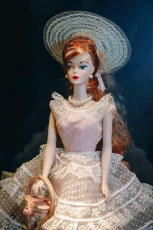 Exibi??o da boneca de Barbie fotos de stock
