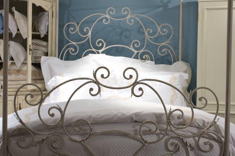 exklusiv sängkläderlinnelyx royaltyfri foto