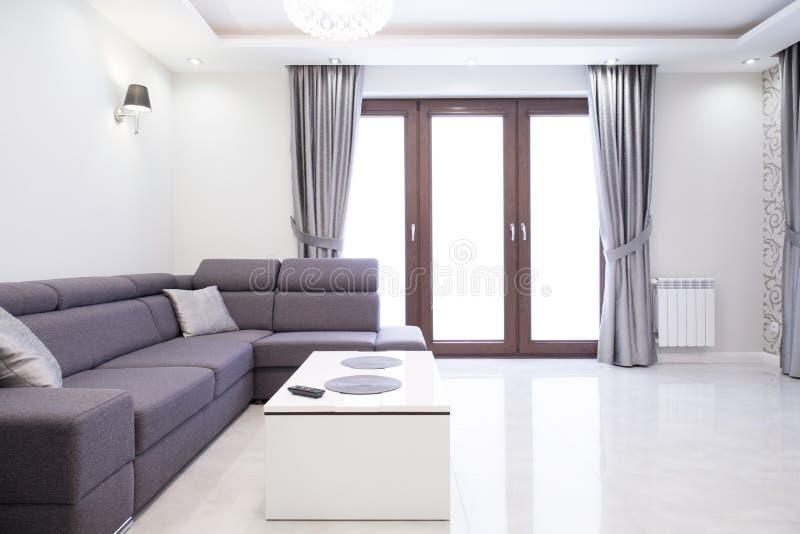 Exklusive Bilder Wohnzimmer ~ Exklusives wohnzimmer stockfoto bild von haus dekoration