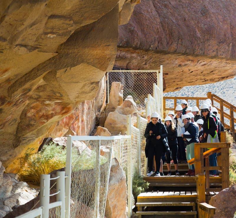 Exkursion zu Cueva de Las Manos stockbild