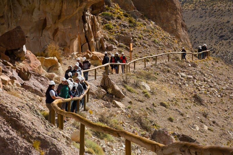 Exkursion zu Cueva de Las Manos lizenzfreie stockfotografie