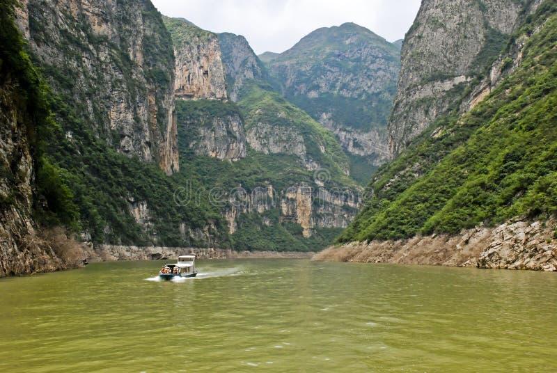 Exkursionsboot in der Zentralchina stockfotografie