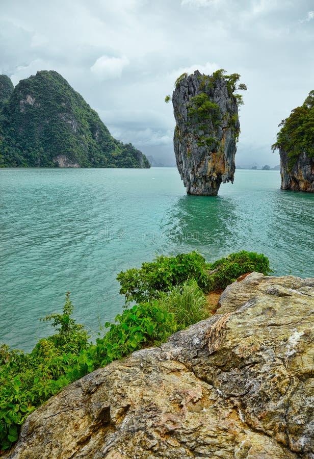 Exotisch eiland dichtbij Phuket. Thailand. royalty-vrije stock afbeelding