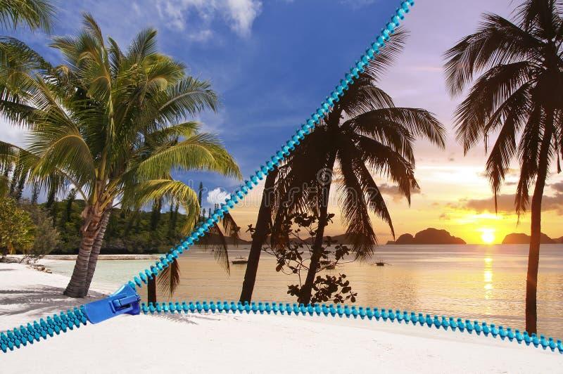 Exotisch strand tegen dag of 's nachts royalty-vrije stock foto's