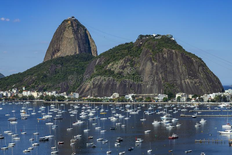 Exotische Berge Berühmte Berge Berg Sugar Loafs in Rio de Janeiro, Brasilien Südamerika lizenzfreies stockbild