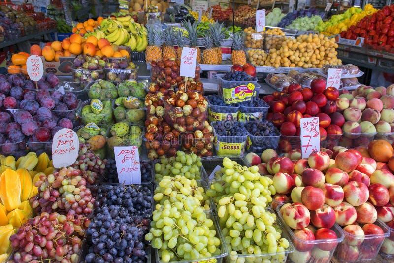 Exotische Früchte auf dem Tel Aviv-` s Carmel Market lizenzfreie stockfotos