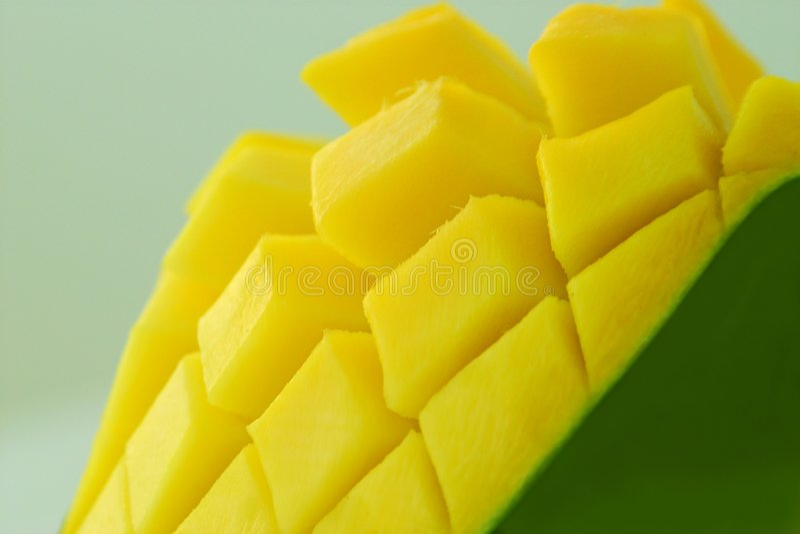 Exotische gelbe Mangofrucht lizenzfreie stockfotografie