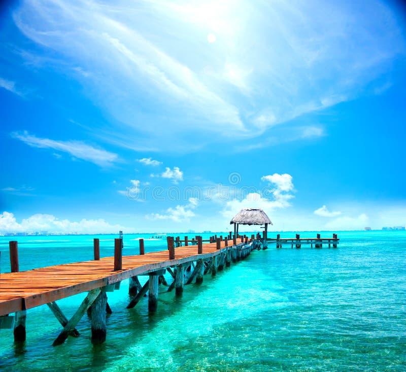 Exotische karibische Insel Tropischer Strandurlaubsort lizenzfreies stockfoto