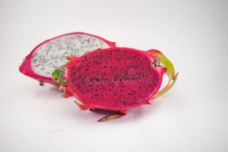 Exotische reife Rosa- und weißepitaya oder des Drachen Frucht Rotes Pitahaya stockfotografie