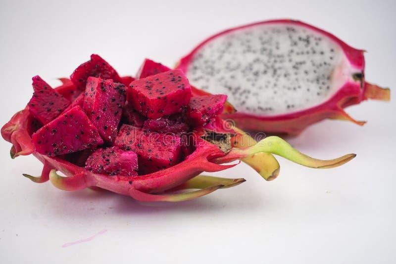 Exotische reife Rosa- und weißepitaya oder des Drachen Frucht Rotes Pitahaya stockfotos