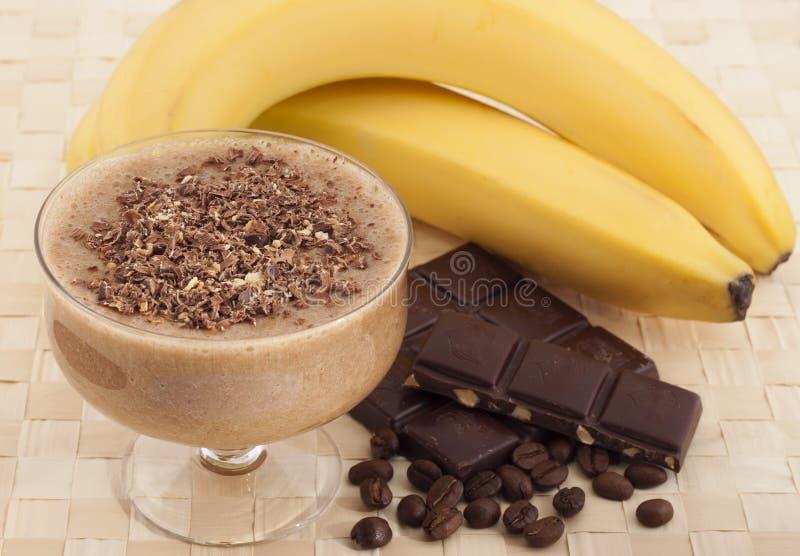 Exotischer tropischer Smoothie der Banane und des Kaffees. stockfotografie