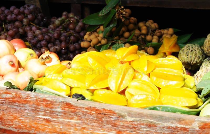 exotisk fruktförsäljning arkivfoton