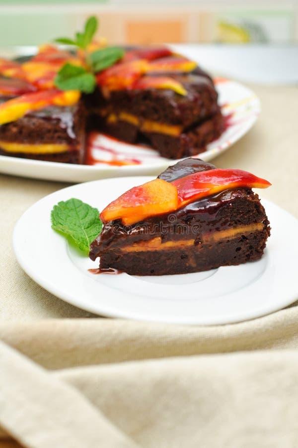 exotiska frukter för cakechoklad arkivfoto