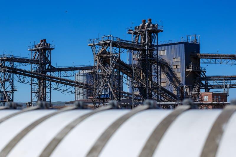 Expédition terminale marine d'ascenseur de matériaux en vrac photo libre de droits
