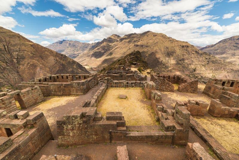 Expansiv sikt av den sakrala dalen, Peru från Pisac arkivfoton