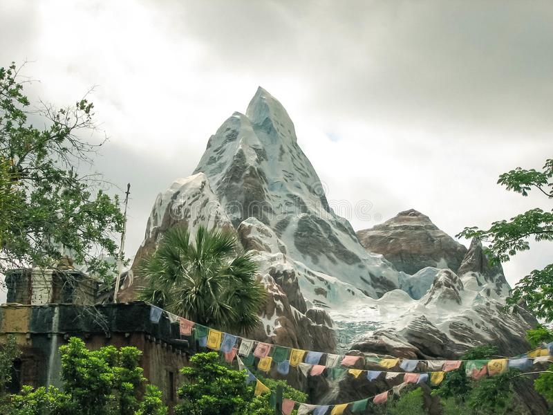 Expedition Everest Walt Disney World Landschaft stockbilder