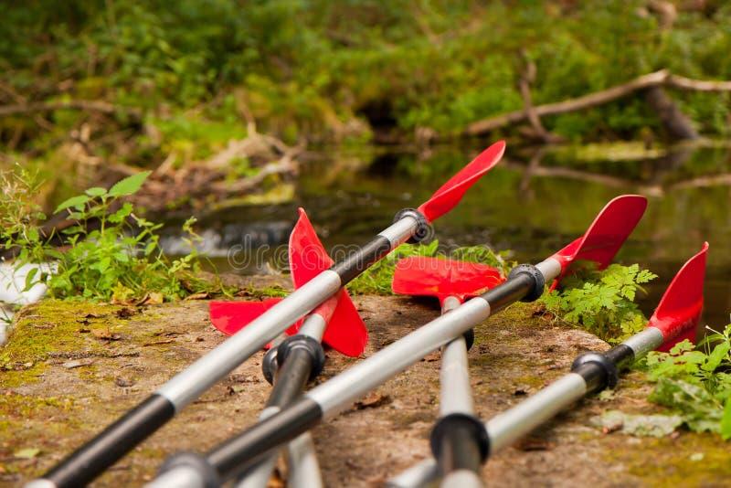 Expedition zum Kayak fahren stockfotografie