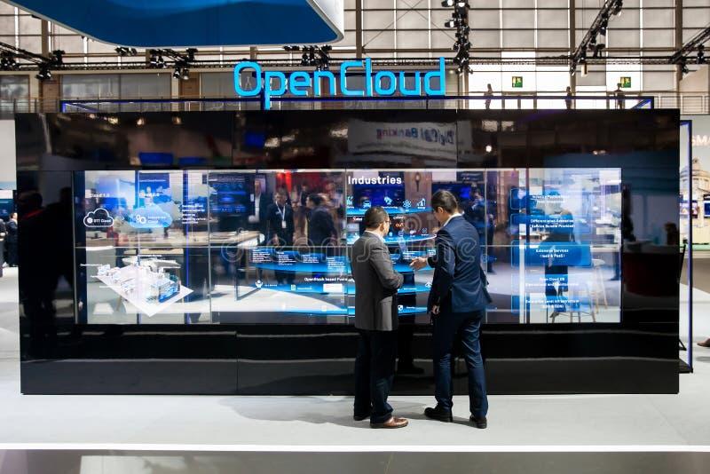 Experiencia abierta de la nube en el soporte de Huawei en la exposición el CeBIT 2017 en Hannover Messe, Alemania fotografía de archivo libre de regalías