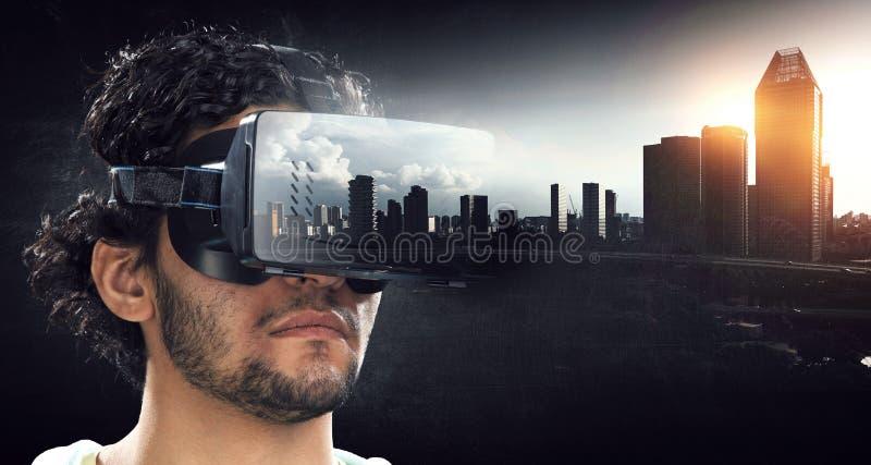 Experiencia de la realidad virtual Tecnolog?as del futuro fotos de archivo libres de regalías