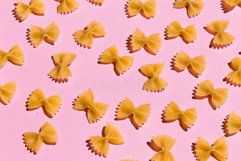 Experiment med makaroni studera kvaliteten av pasta fotografering för bildbyråer