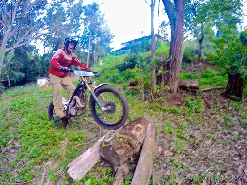 Experimentações biking da sujeira fotografia de stock