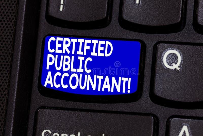 Expert-comptable certifié par texte d'écriture de Word Concept d'affaires pour l'organisme professionnel accrédité du clavier de  photos stock