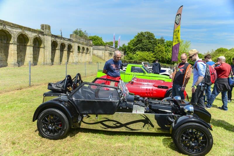 Experter och gamla bilar på den Crytal slotten springer 2013