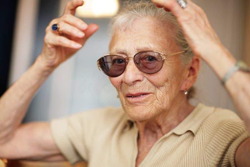 Expession aîné de femme photo libre de droits
