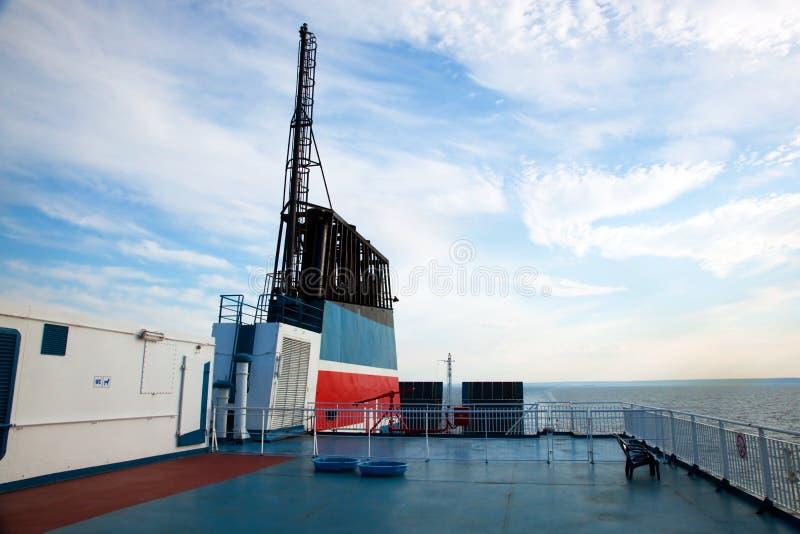 Expida la opinión de la cubierta, océano en un día asoleado imagen de archivo libre de regalías