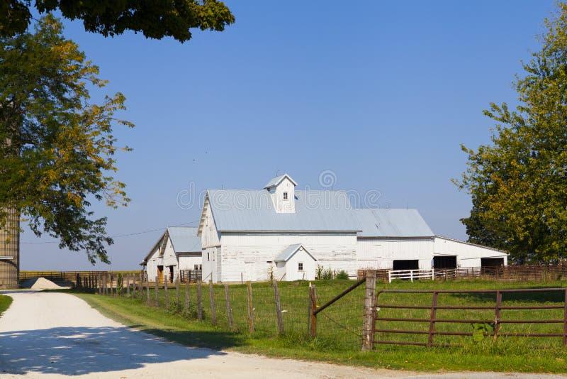 Exploração agrícola branca americana tradicional imagens de stock