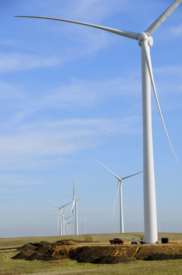 Exploração agrícola de energia 3 do vento foto de stock royalty free