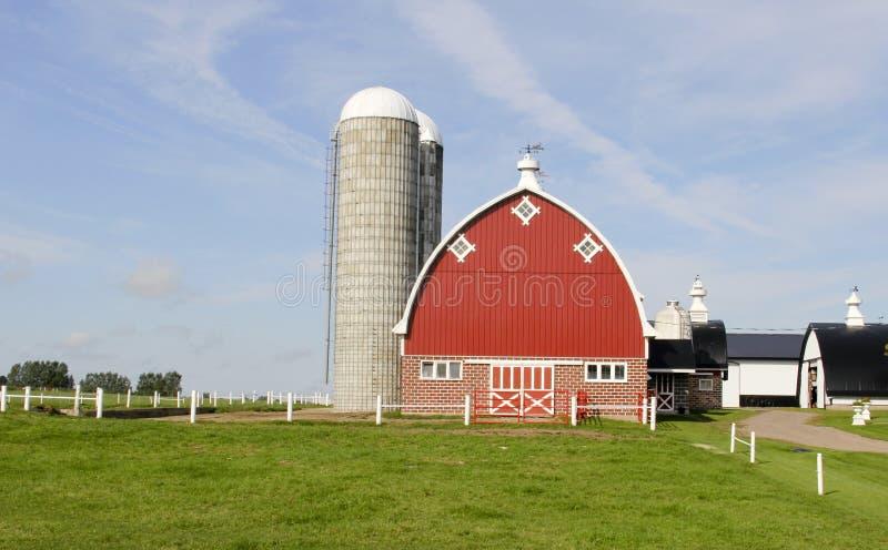 Exploração agrícola de leiteria do vintage de Wisconsin foto de stock